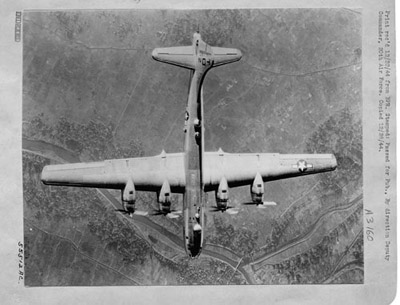 1943_B-29_over_Tokyo.jpg