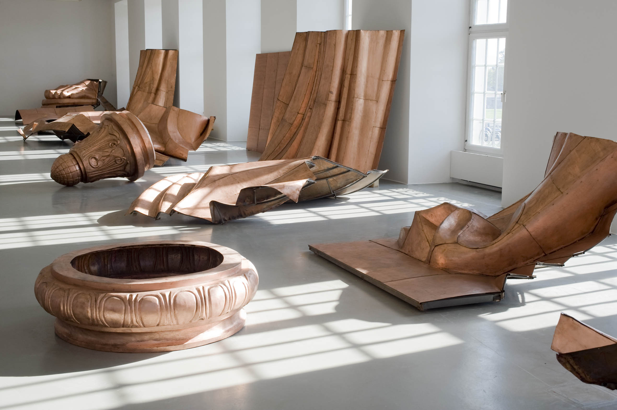 Danh_Vo_WE_THE_PEOPLE_Photo_Nils_Klinger_Fridericianum_01.jpg