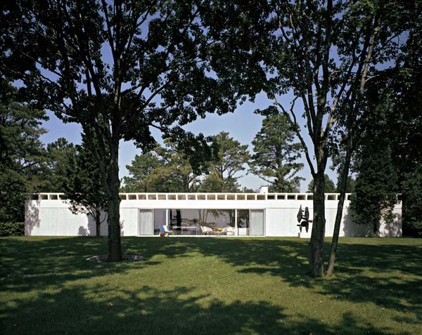 bunshaft_travertinse_house_esto.jpg