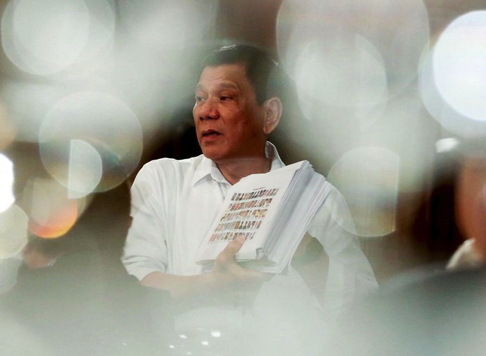 duterte_stack_baniquet_afp_700px.jpg