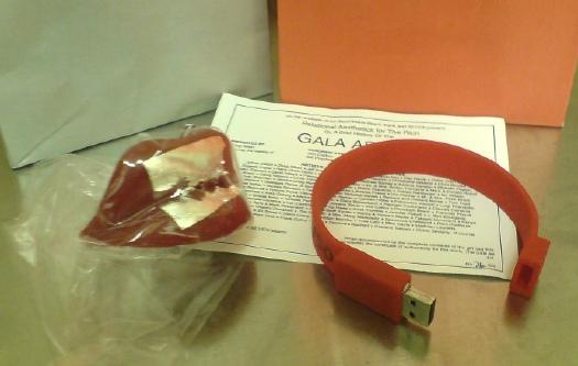 gala_gift_bag_pic.jpg