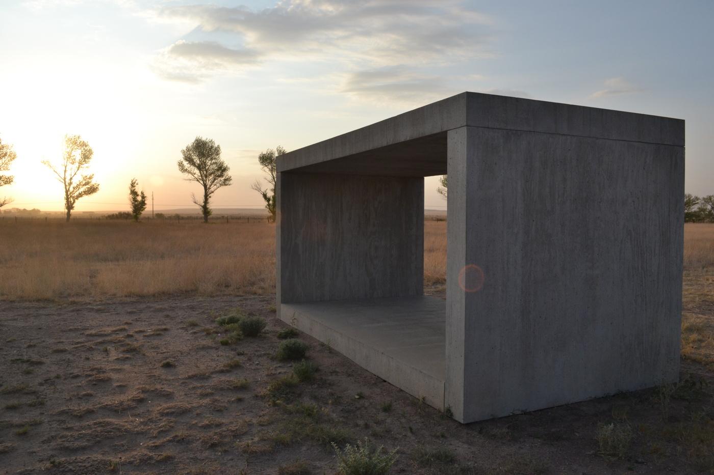 judd_chinati_concrete_wiki.jpg