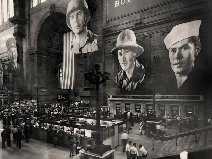 loewy_photomurals_penn_station_1943_archpaper.jpg