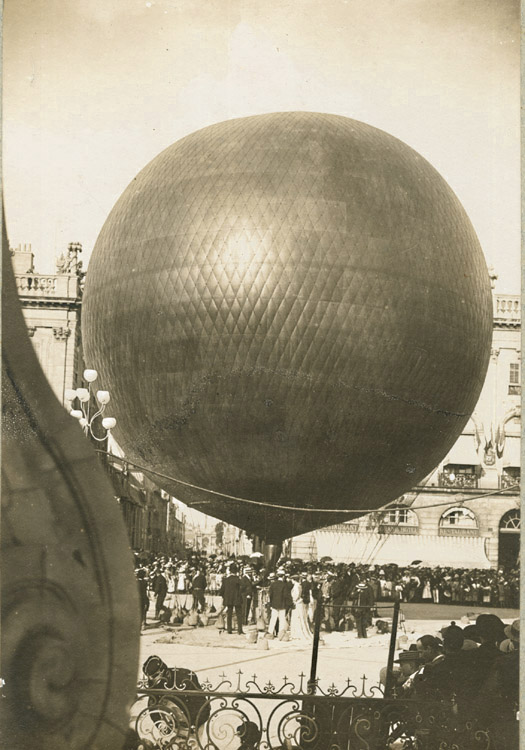 nancy_lachambre_balloon-1895.jpg