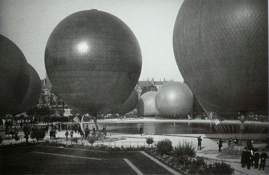 gimpel_ballons_jardin.jpg
