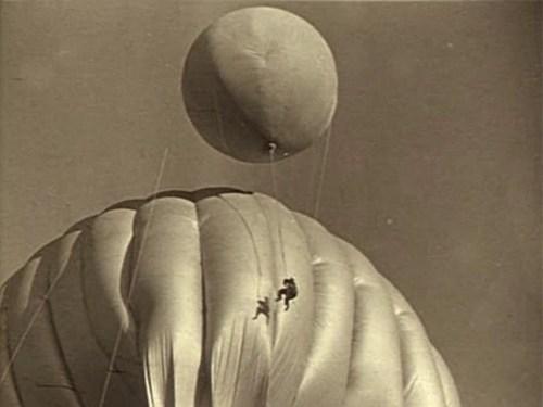 tarkovsky_mirror_balloon2.jpg
