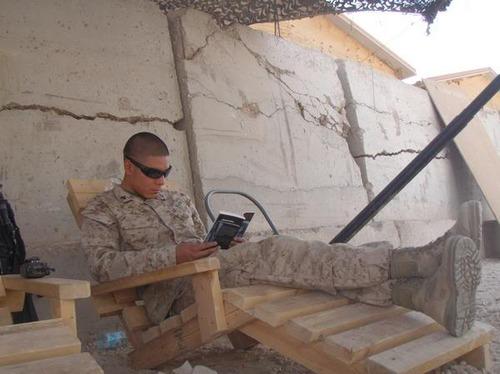 pallet_lounge_militaryphotosnet.jpg