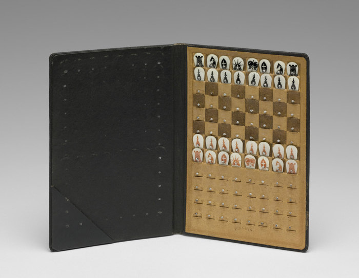 duchamp_pocket_chess_set_pma.jpg