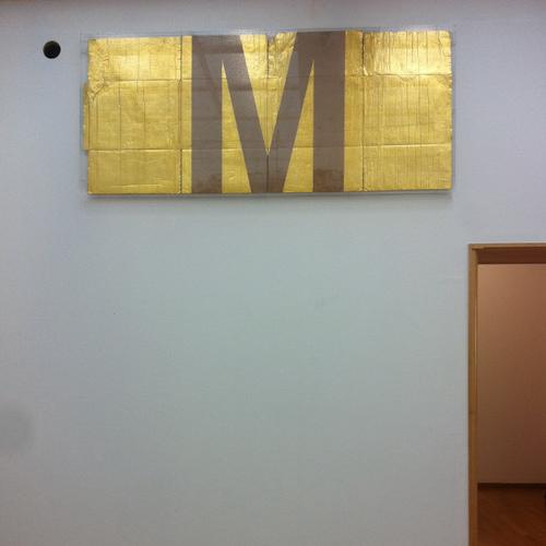 danh-vo-alphabet-m_sytskeroskam.jpg