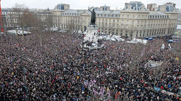 paris_march_crowd_shot.jpg