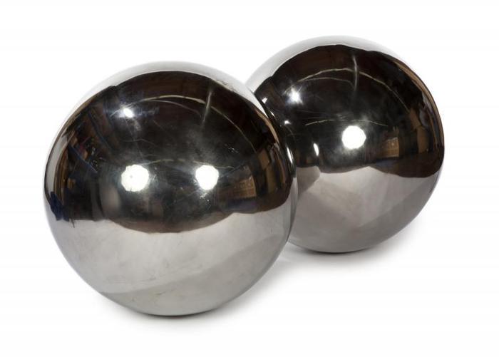 ringo_gazing_balls.jpg