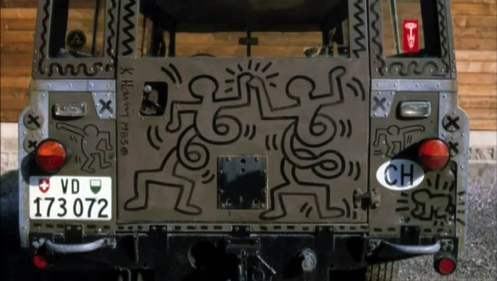keith-haring-land-rover-1983_swiss_plate.jpg