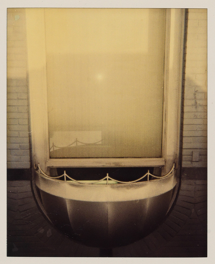warhol_duchamp_fountain_polaroid_swann.jpg